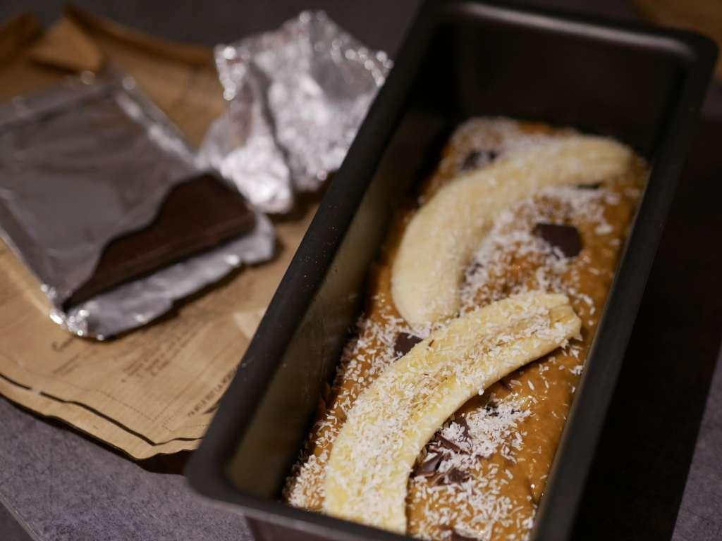 Le banana bread permet de ne pas jeter vos bananes noires et ne plus c'est délicieux !