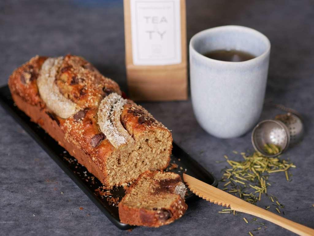 Un bon banana bread accompagné d'un thé de chez Tea&Ty.