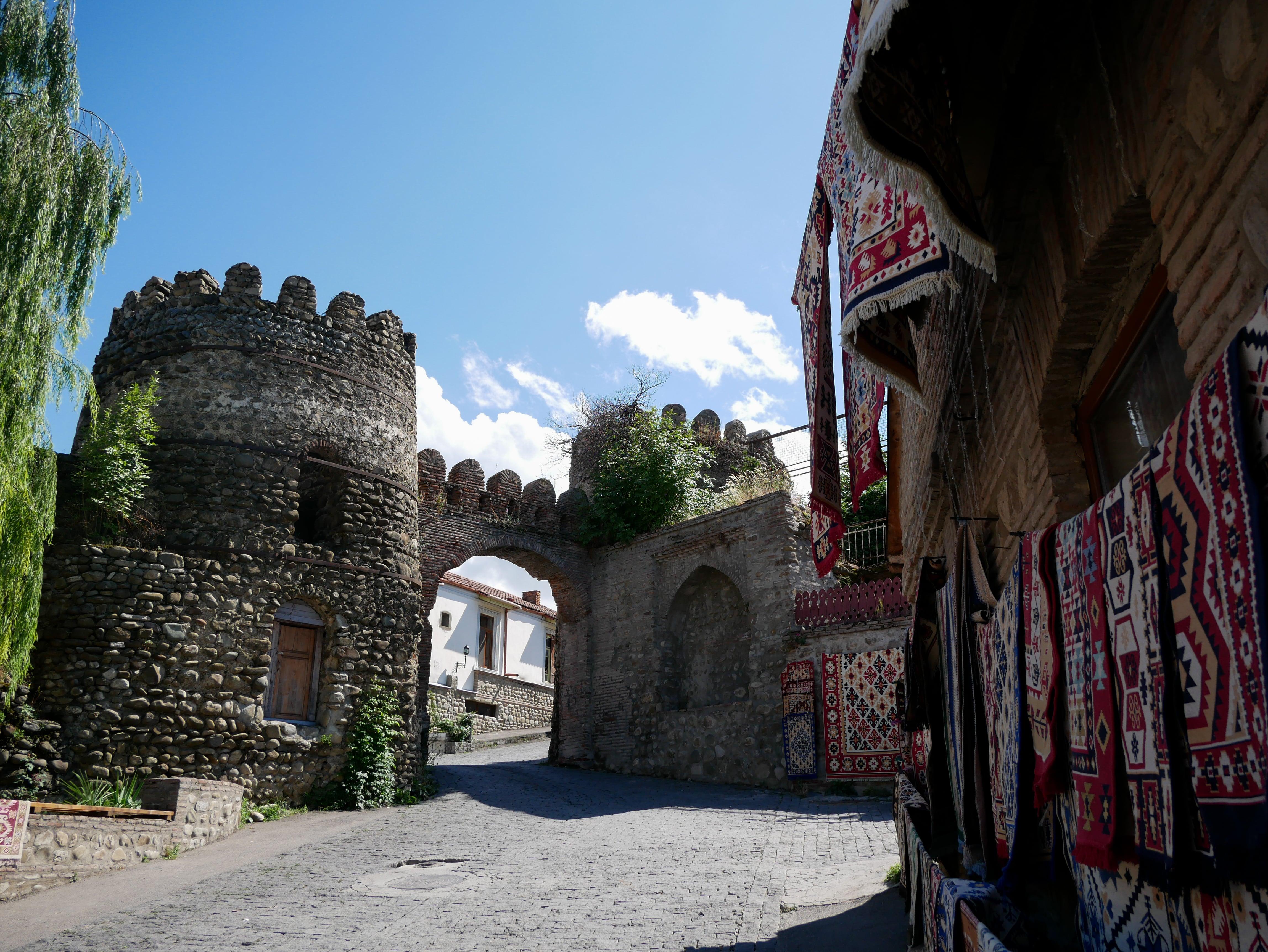 L'une des portes de Sighnaghi où les amoureux viennent se prendre en photo
