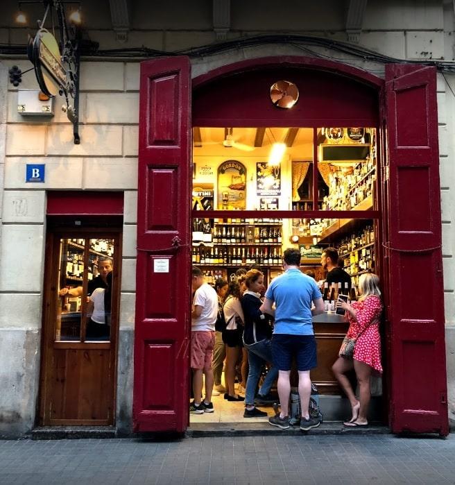 petit bar à tapas - cave à vin de 1914