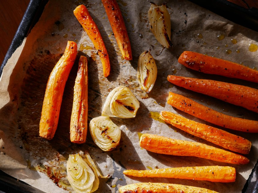 Plan large du dessus sur les légumes rôtis