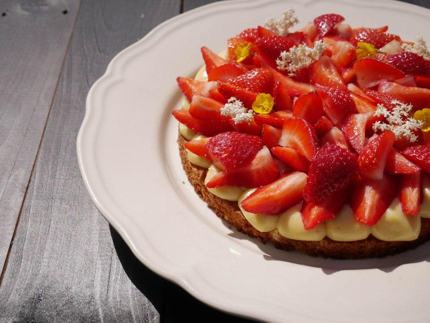 Gros plan sur la tarte aux fraises finie