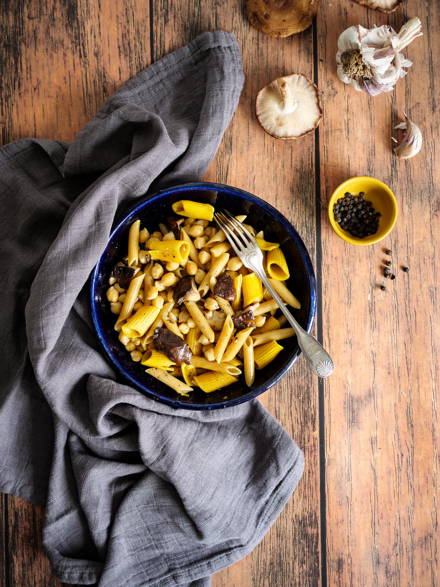 Petit régal automnal : pâtes, pois chiches et shitakés