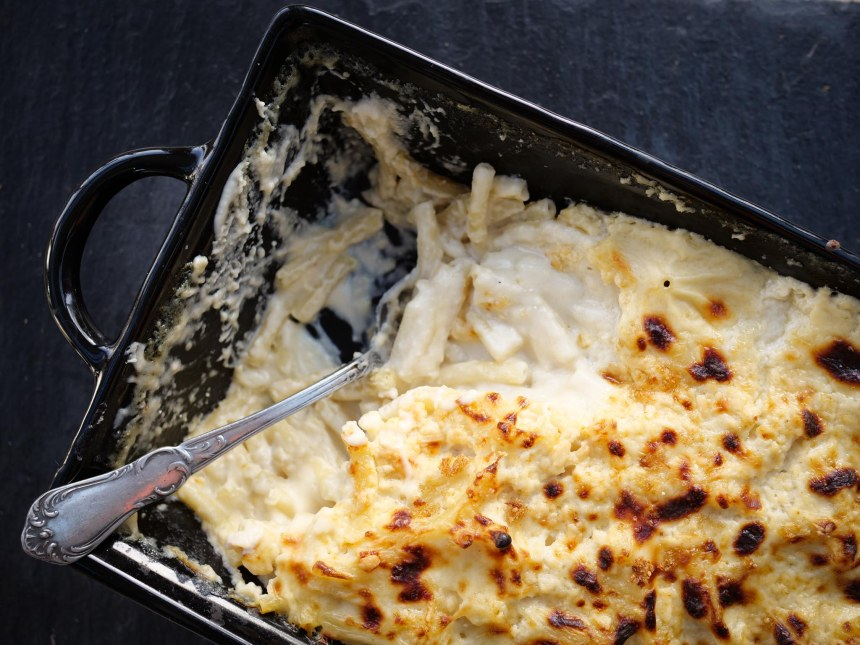 Plat entamé de Mac and cheese